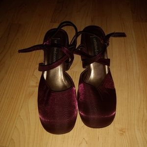 Women's Maroon Unlisted Dress Shoes